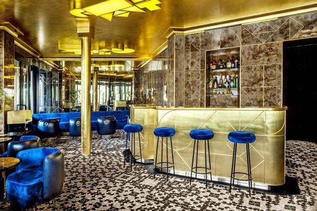 cafe-francais-exclusive-design-by-india-mahdavi-9-620x413.jpg