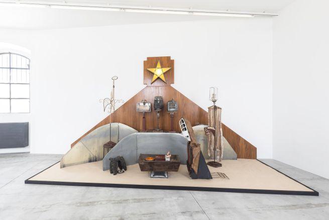 fondazione-prada-kienholz-4