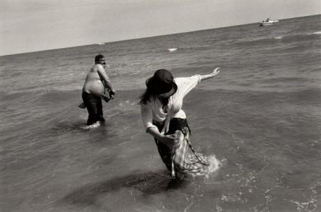 josef_koudelka_spain_1975_wading