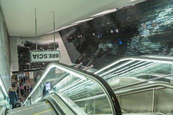 Marcello-Maloberti-Brixia-2015-metro-Brescia-fermata-stazione_-Courtesy-galleria-Raffaella-Cortese-Milano_-Foto-Mauro-Cartapani-