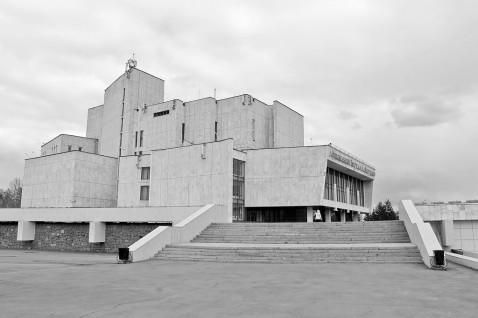 zagurskiy-music-theater-irkutsk-siberia-russia