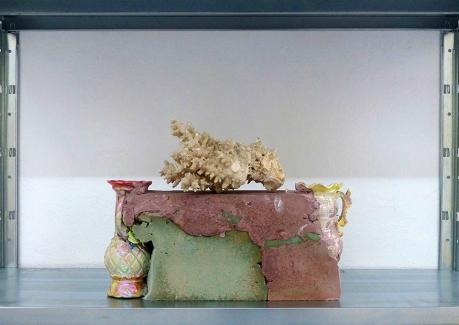 Giovanni De Francesco - Inseparabili 2, cemento, ceramica, gesso, corallo (Dimora Artica Milano)